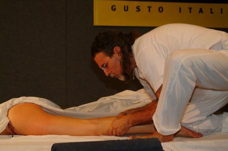 Corso di massaggio OLOS MASSAGE su base ayurvedica