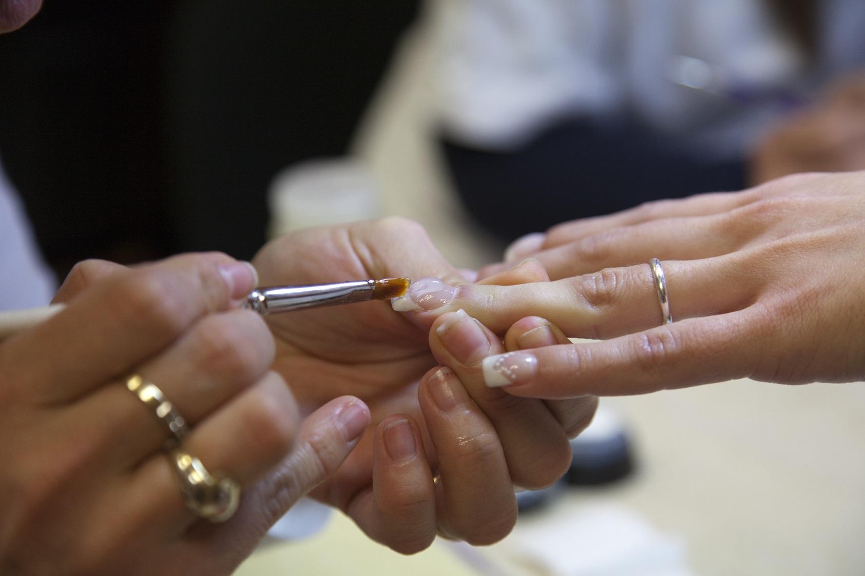 Corso Ricostruzione Unghie Roma - corso onicotecnica roma nail art