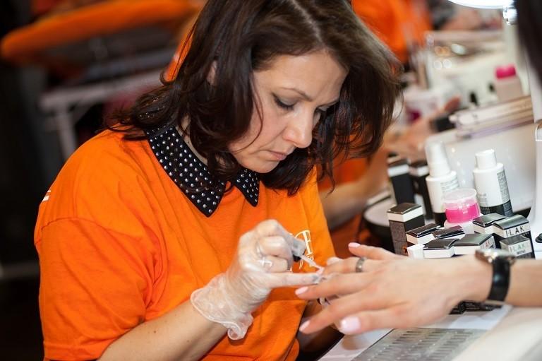 Corso Ricostruzione Unghie Roma - onicotecnica nail art